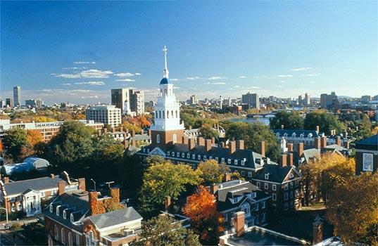 Viagem para passar o dia em Boston com áudio guia em Português